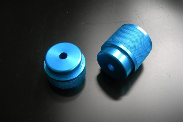 ソフトバンプラバーブラケット リヤ1インチUP用/ブルーアルマイト